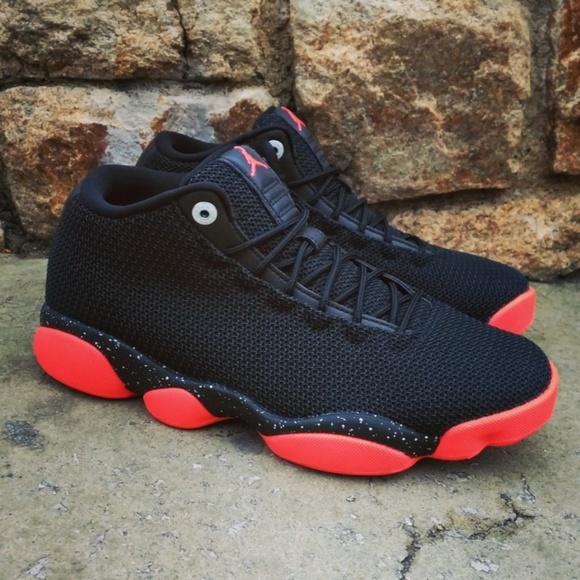 lowest price 0c9d0 29abc Nike Air Jordans Horizon Low Black Red